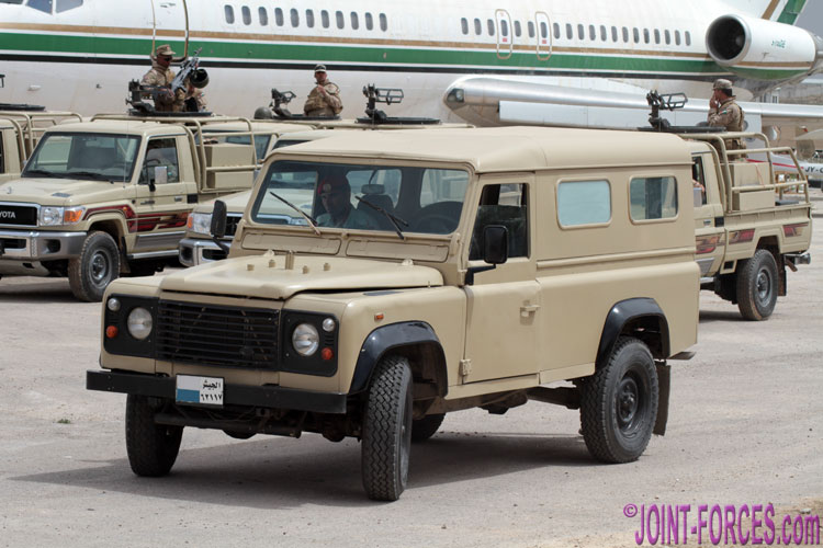 military land rovers pt 1 introduction joint forces news. Black Bedroom Furniture Sets. Home Design Ideas