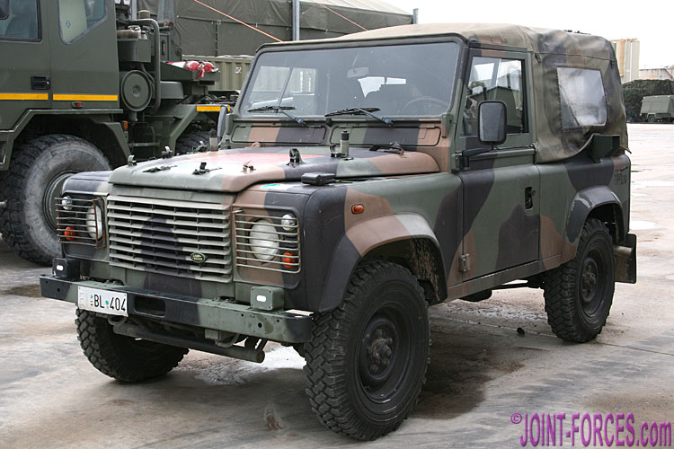 military land rovers pt 4 italian army ar90 joint. Black Bedroom Furniture Sets. Home Design Ideas
